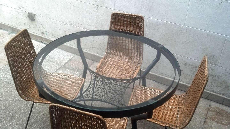 mesa sillas mimbre de segunda mano