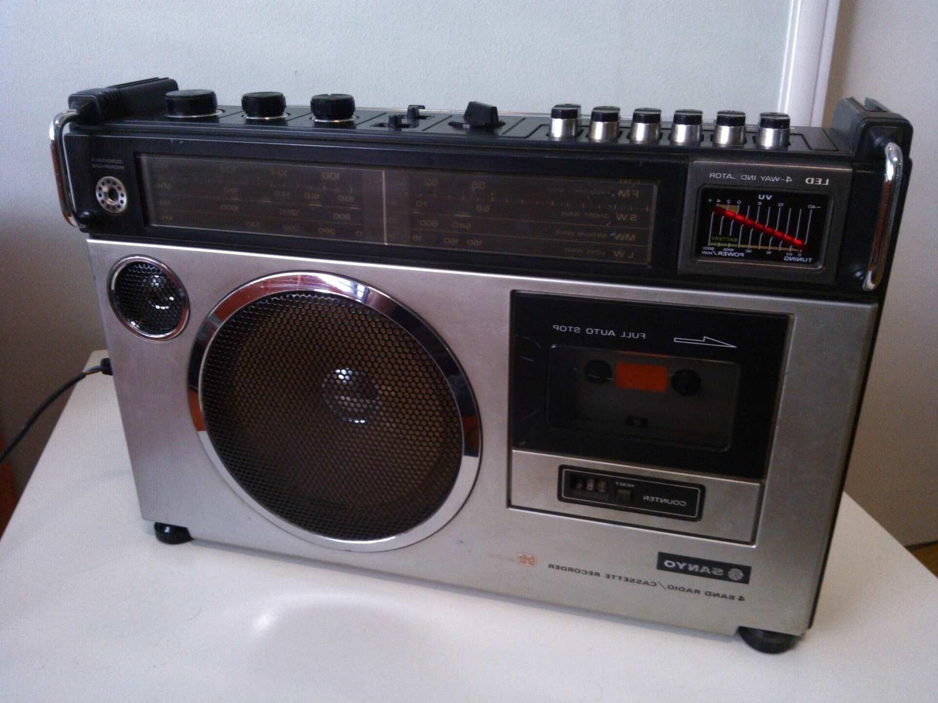 radio cassette sanyo vintage de segunda mano